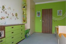 Dětský pokoj limetka-pohled ke dveřím