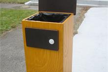 Školka - odpadkový koš Petry