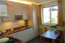 Klasická kuchyň - pohled od dvěří