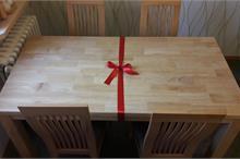 Masivní stůl hevea