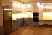 Modrobílá kuchyň