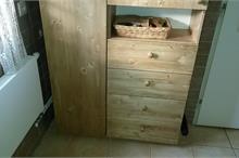 Úložná skříň do koupelny - šuplíky