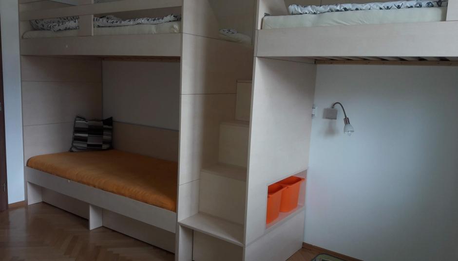 Dětský pokoj s palandami